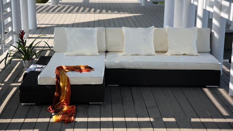 salon d 39 exterieur. Black Bedroom Furniture Sets. Home Design Ideas