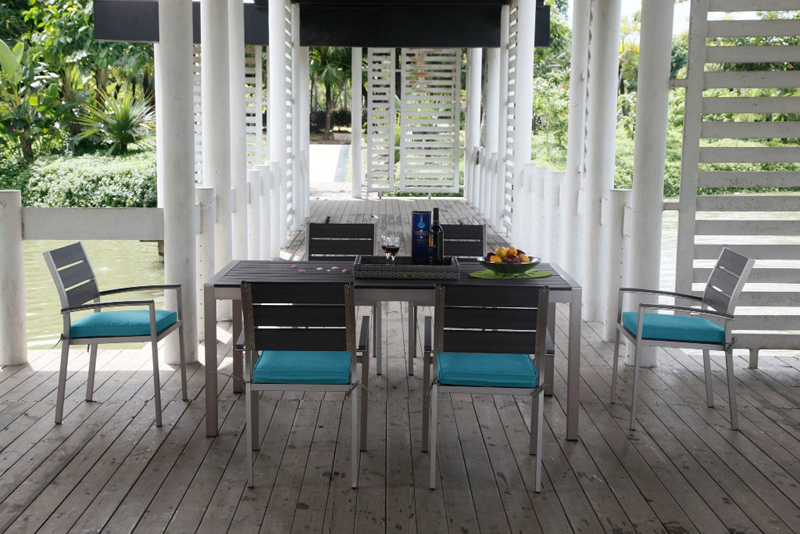 salon-jardin-aluminium-table-chaises-gris-metal-terasse-design-moderne-lattes